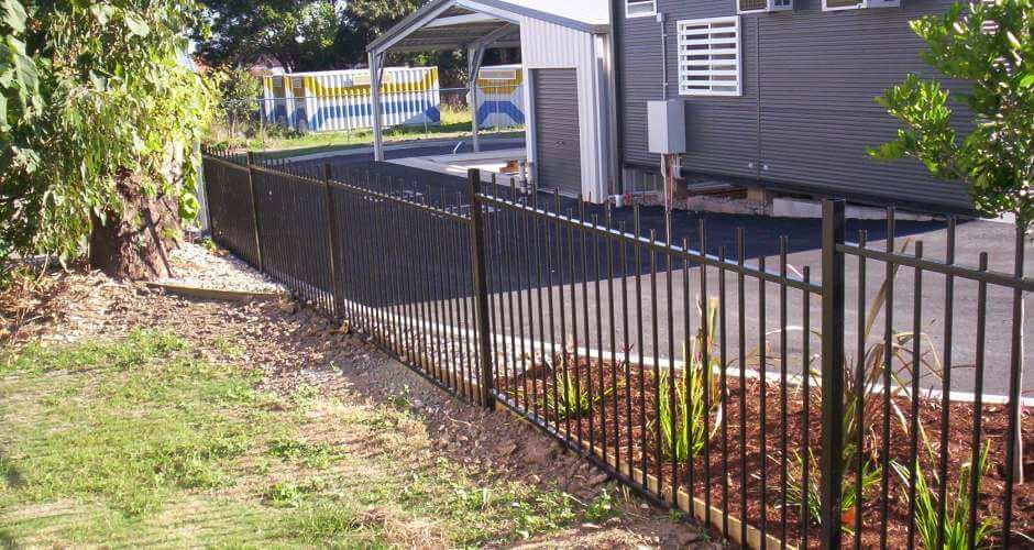 Waterside Pool Fencing - Aluminum Pool Fencing to Enclose a Property